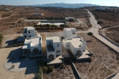 Small villa for sale Paros