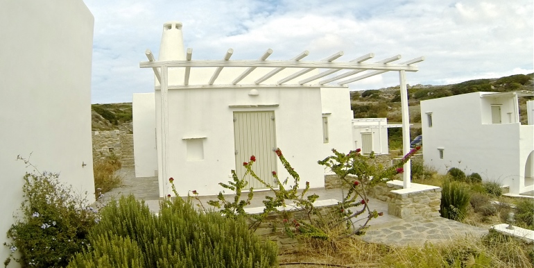 small villa for sale in Paros